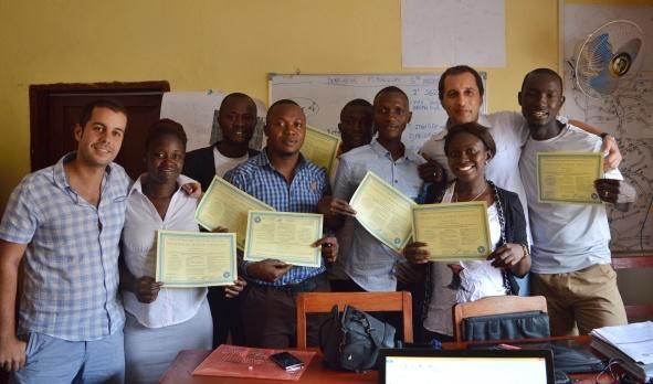 Intervención psicosocial por la epidemia del ébola. Capacitación a profesionales de la Salud Mental. En Sierra Leona, octubre 2015.